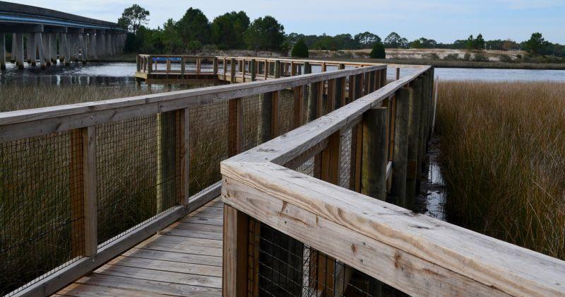 12st Street Pier & Boardwalk - boardwalk along the Carrabelle River
