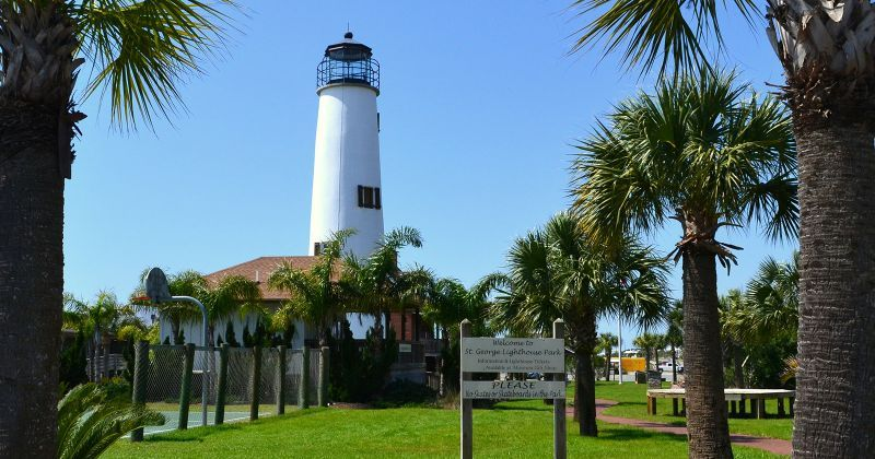 St. George Island Lighthouse & Museum - walkway from parking lot