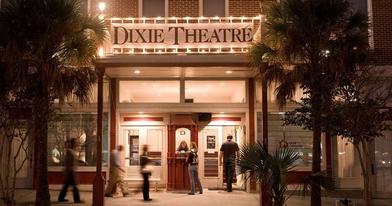 The Dixie Theatre - HC entrance at side